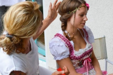 web_dirndl_frisuren-3